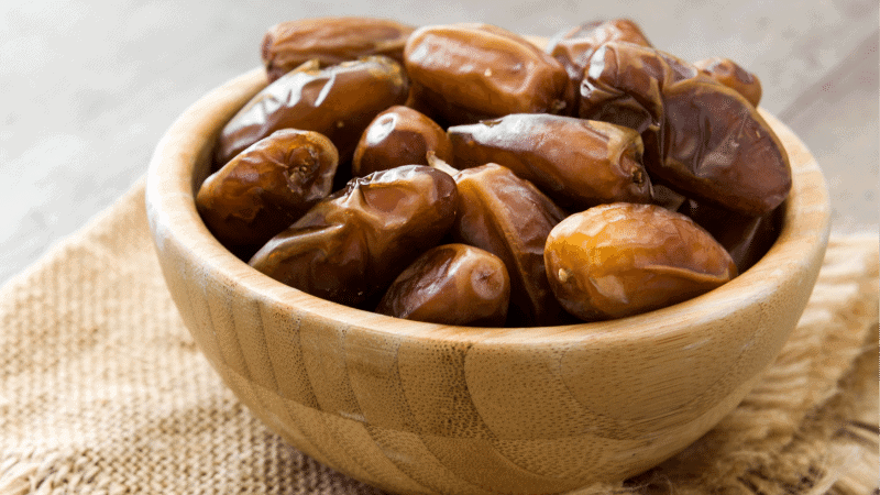 Can Cats Eat Dates? Is it Toxic to Cats?